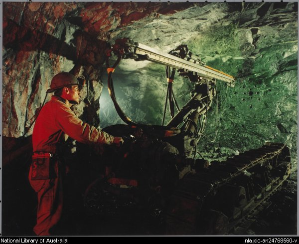 Drilling jumbo for underground mining, Roxar drifter application