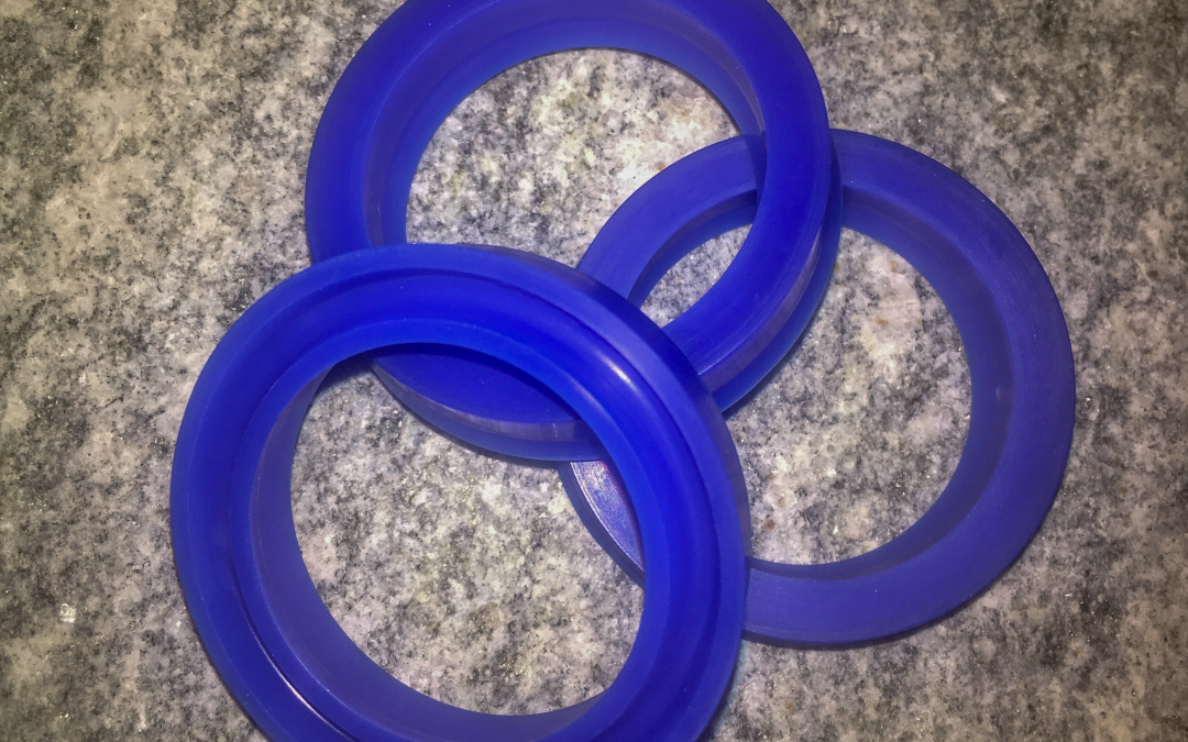 Montabert HC water seals, Roxar seals for Montabert drifters (HC50, HC109, HC158,...) High quality OEM equivalent parts for rock drifters. Made in Europe.
